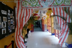 201804131300_2_Entrance_to_the_school_prepared_for_the_Erasmus__project_visit