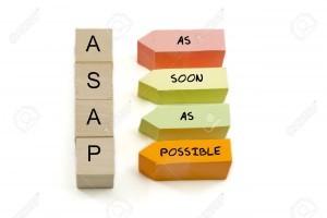10555521-Lo-antes-posible-lo-antes-posible-deletreado-hacia-fuera-en-bloques-de-madera-y-de-colores-en-forma--Foto-de-archivo