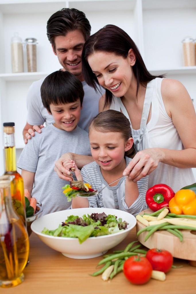 Familia alimentada sana
