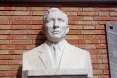 Busto D. Ramón Hernández Martínez