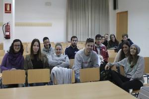Estudiantes del Ciclo Superior de Gestión de Ventas asistiendo a las charlas.