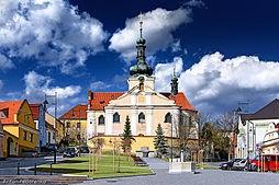 254px-Mnichovice_namesti