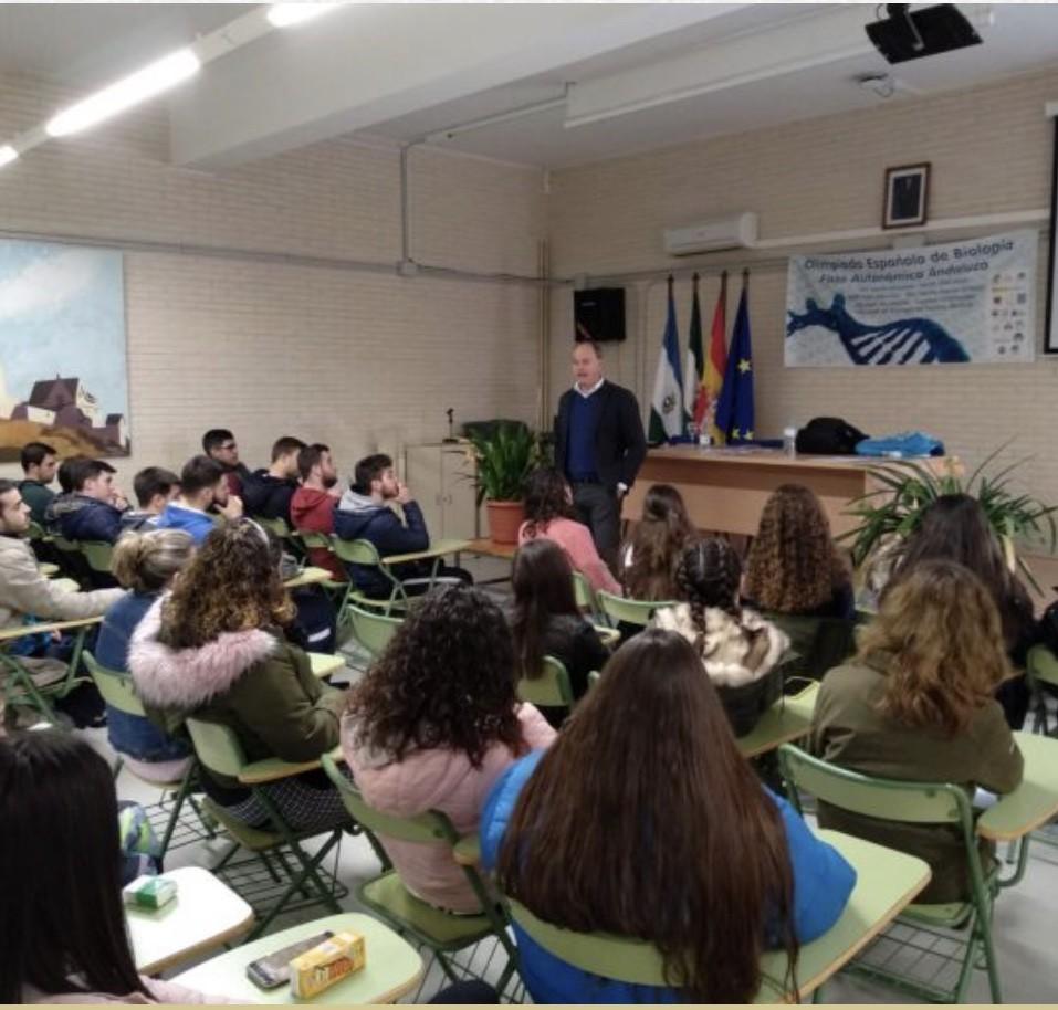 11 de abril: CHARLA  PARA LOS PADRES Y MADRES: «CÓMO AYUDAR A LOS HIJOS EN LA ELECCIÓN DE ESTUDIOS»