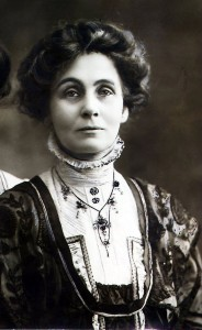 http://i1.mirror.co.uk/incoming/article1916136.ece/ALTERNATES/s615b/Emmeline-Pankhurst-sufragette-who-fought-for-the-right-for-women-to-vote.jpg