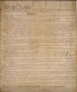 http://www.archives.gov/espanol/constitution-es-large.html