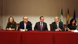 De izquierda a derecha Delegada Territorial, Director del centro, Director General de Innovación, Cónsul y Agregada cultural