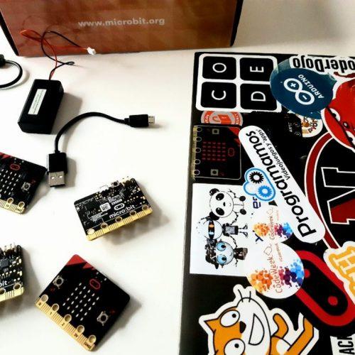 Descubre cómo funcionan internet y las redes de ordenadores jugando y programando con placas micro:bit